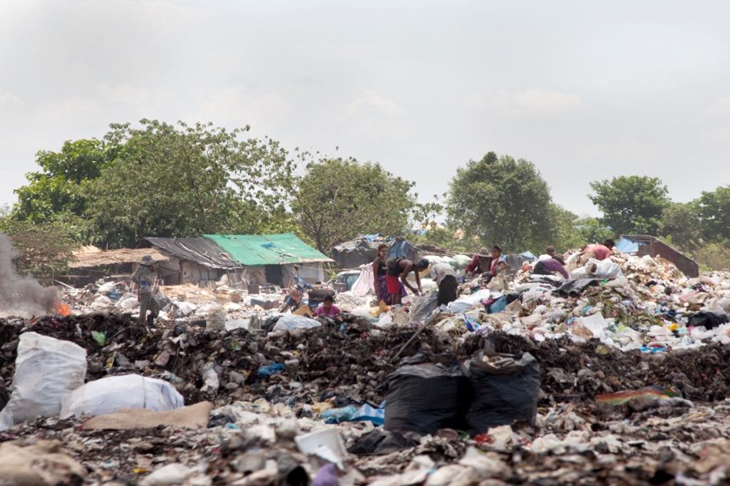Garbage dump Myanmar